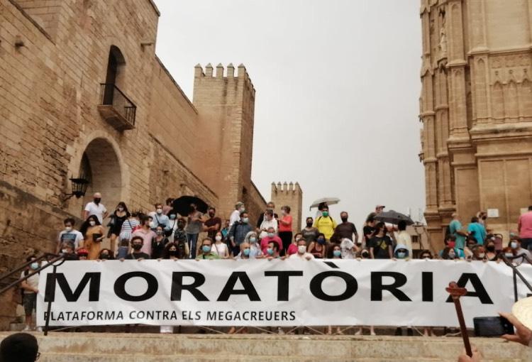 Palma, Barcelona, València, A Coruña, Vigo i Tarragona ens unim contra el retorn il·limitat del turisme de megacreuers i les ampliacions dels seus ports